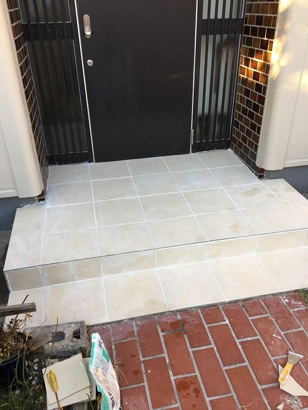[DIY]玄関外のタイル張り タイルonタイル タイルのカットについて